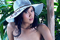 Pretty Focus Wan Stripping In Sun Hat And Playing With Dildo